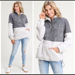 🎉HP🎉 Fuzzy Two-Tone Pullover Sweater Large